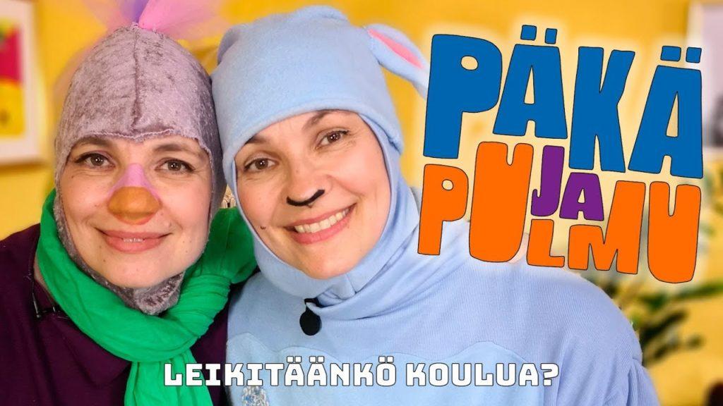 Kaksi henkilöä pukeutuneet Päkäksi ja Pulmuksi.