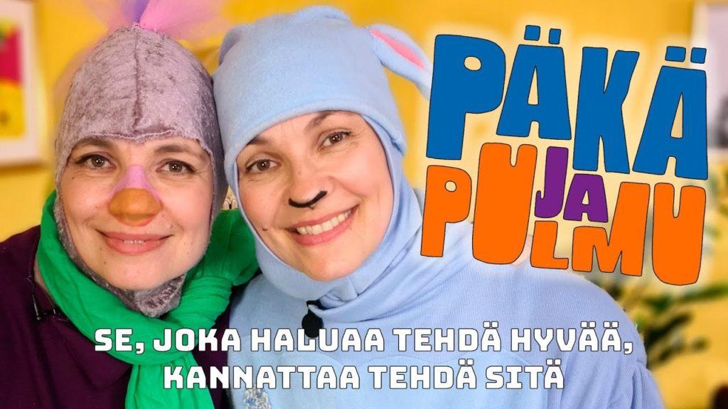 Kaksi henkilöä esittävät Päkää ja Pulmua.